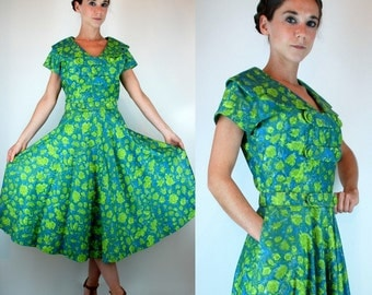 Vintage 50s Giverny Watercolors Garden Party Dress w/ Large Collar + Cap Sleeves. Full Pleated Skirt. Green Blue Floral Print Small - Medium