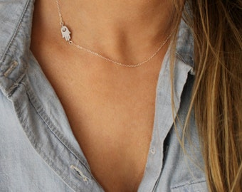 Side Hamsa Necklace / Tiny Gold or Silver Hamsa Necklace / Evil Eye  / Hand of Fatima / Protection Necklace / SIDE HAMSA Necklace