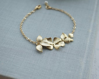 Gold Long Orchid Flower Bracelet, Orchid and Ivory Pearl Bracelet. Flower Bracelets. Bridesmaids Gifts, Sister. Flower Girl. Maid Of Honour