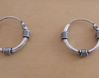 Pair of 925 Sterling Silver Decorative Bali Hoop Earrings 16 mm Diameter
