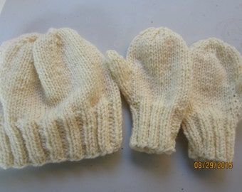 Toddlers Handknit Hat and Mittens Set Aran  color  6-18mos  acrylic/ wool Hat ribbed edge Mittens ribbed cuff edge