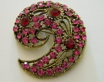 Antiqued Gold Tone Swirl Pink Red Crystals Pin Brooch