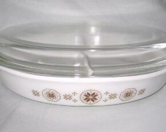 Pyrex Town and Country Divided Dish with Lid