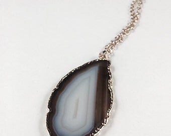Natural Brown and White Agate Slice Necklace, Natural Agate Pendant Necklace, Inexpensive Agate Jewelry, Agate Stone Pendant