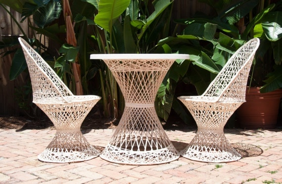Summer sale russell woodard spun fiberglass patio set for Summer patio furniture sale