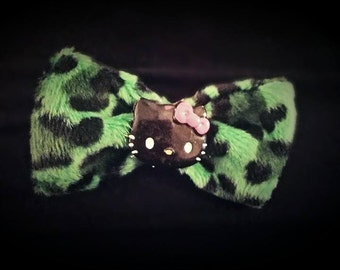 Green Leopard Print Hello Kitty