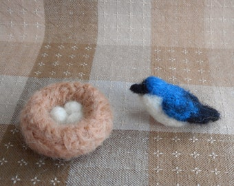 Miniature Needle Felt Tree Swallow Bird with Nest