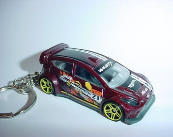 3D 2012 Ford Fiesta racer custom keychain by Brian Thornton keyring key chain finished in deep racing color trim diecast metal body rally
