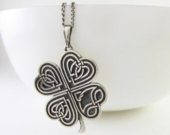 silver Clover Necklace, Irish silver Necklace, lucky clover necklace, lucky clover pendant, Silver Shamrock Necklace, four leaf clover