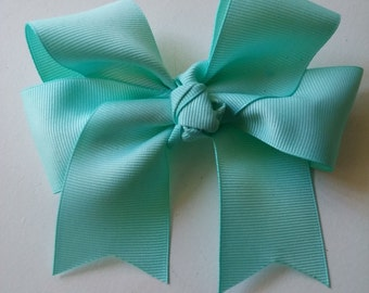Solid hair bow
