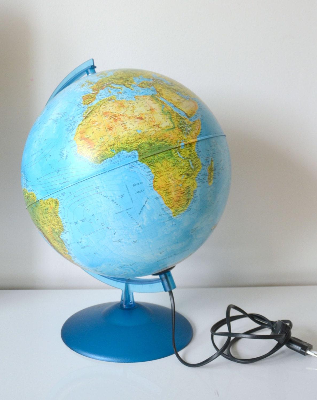 Globe terrestre lumineux socle bleu mappemonde vintage - Globe terrestre pour enfant ...