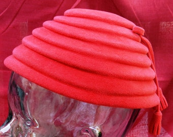 Vintage Red Betmar Velour Luisant Felt hat with Tasseled Bow  21 Inch Inside Measure            00424