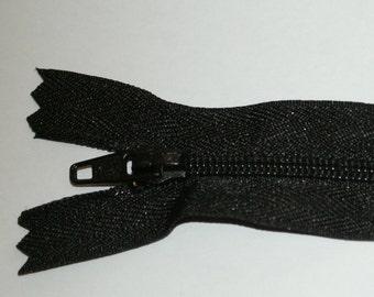 "Top Quality 8"" ( 20 cm)  Closed End Nylon Zips - Black"