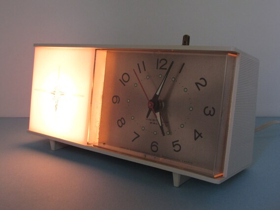 1pcs Super loud Lazy Alarm Clock Retro Metal Desktop Clock Alarm Clock Home Decoration Children