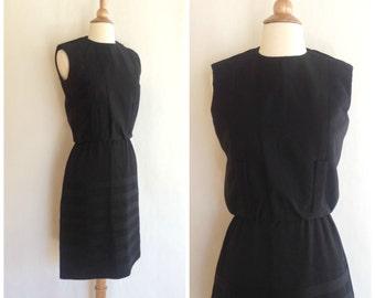Vintage 1960's black stripe shift dress. small