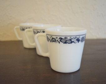 Pyrex Mugs - Old Town Blue Blue Pattern - set of 3