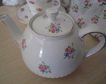 Ellgreave Ironstone Teapot - floral bouquet