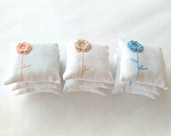 Lavender sachet - wedding favors-crochet sachet lavander natural colours - birthday gift - rustic sachet