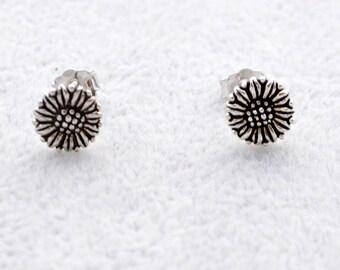 Oxidised Sterling Silver Daisy Flower Stud Earrings Antique Finish e62