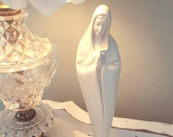 Praying Madonna, Standing, All White and Elegant,Vintage.