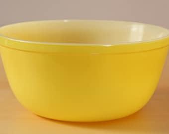Vintage yellow Glasbake mixing bowl