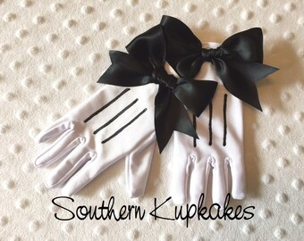 LADIES White MINNIE MOUSE Style Gloves Custom Costume Adult Teen Pre-teen Sized Gloves Bows Pageant BoUTIQUE New NwT Disney Mickey