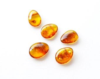 Cognac amber beads, Natural Baltic amber, 5 Pieces / 4911