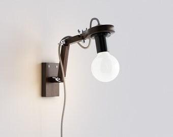 B 6 Wall Lamp