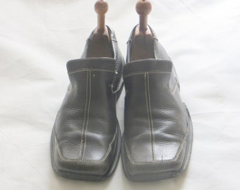Russel and Bromley slip on shoes/Man/Men/upper leather /rubber sole UK 9/EU 43