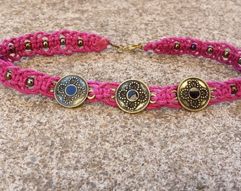 Medallion hemp anklet