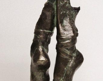"""DANCER'S FEET - cold cast bronze sculpture by Lluis Jordà - 43 cm/17.2"""" height- 1.8 kg wt."""