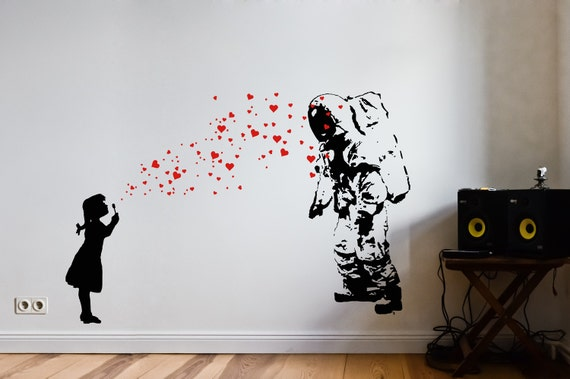 astronaut heart bubble love wandtattoo streetart banksy. Black Bedroom Furniture Sets. Home Design Ideas