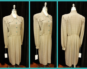 Amazing Super Summer 1940's  Sports Dress ~ Kool ~ Wonderful Medium Weight Wool ~ Unique Styling