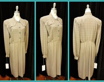SALE***  Was 159.00   Now  119.00     Amazing 1940's  Sports Dress ~ Kool ~ Wonderful Medium Weight Wool ~ Unique Styling