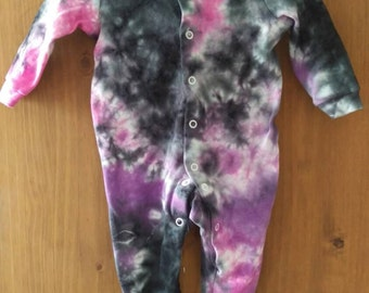 Tie dye Goth baby sleepsuit 0-3 months