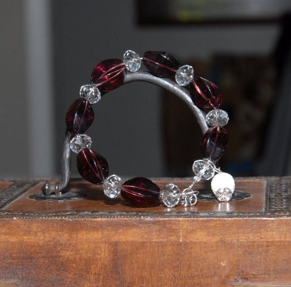Aromatherapy Diffuser Bracelet for Essential Oils. Ruby colored chunky beads with glass crystal beads, lava stone for diffusing oils. AB-018