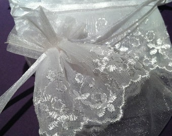 Organza  and Lace bag for favors or sachets