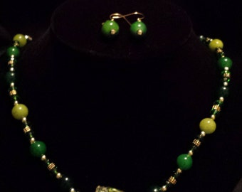 Sale! Green and Gold Pendant Necklace and Matching Earrings (S67)