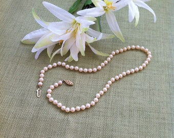 Vintage Womens Necklace - Jewelry - Sweet Water Cultured Pearls - Individually Knotted - Gilded Silver Clasp