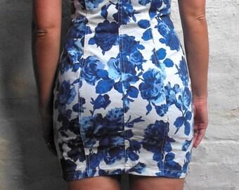 Bongo Women's Denim Floral vintage button down dress from the 1990s Size 7