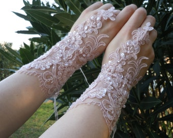PRIVATEBRIDES Pink French lace gloves, wedding glove, bridal glove, accessories, wedding fashion