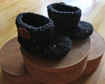 Black Baby Booties with Wooden Button, Baby Bootie, Baby Slipper