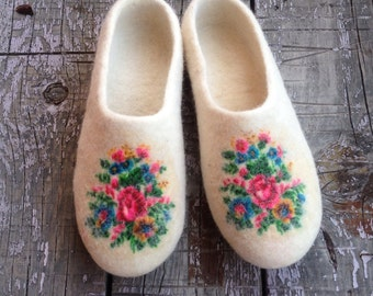 White Felted wool slippers, women's home shoes, ecoshoes, house shoes, felted clogs Mothers day gift