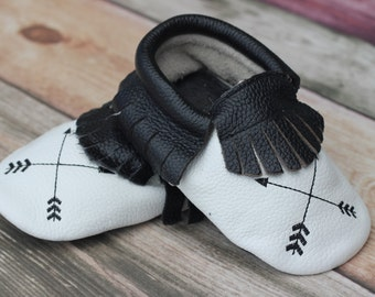 Black and White Arrow Leather Baby and Toddler Moccasin