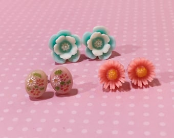 Stud Earrings Set, Flower Earring Studs, Vintage Style Floral Earring Gift Set, Pink Daisy Studs, Blue Daisy Studs, Stocking Stuffer (ES1)