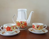 Vintage Pontessa The Young Range Serving Pot and Set of Two Cups and Saucers