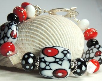 FUN with BLACK and WHITE Handmade Lampwork Bead Bracelet