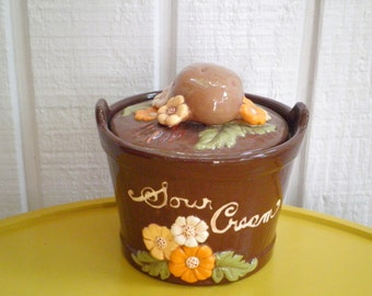 Vintage Ceramic Sour Cream Dish / Bowl / Jar with a Spud and Wildflowers on top - Circa 1970s
