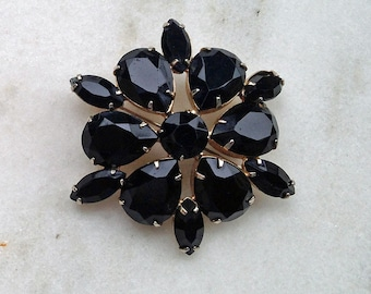 Vintage Brooch, Pin, 1960s, 1950s, Black Stones, Pronged, Radiating, Mourning