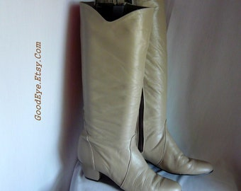 Vintage Mod STRETCH Leather Knee Boots / size 8 Narrow Eur 38 .5 UK 5 .5 / Khaki Tan Zipper Flats Low Heel